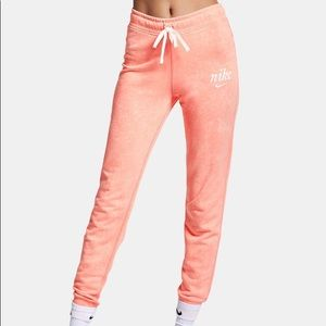 NWT Nike Sportswear Washed Cotton S Bleached Coral
